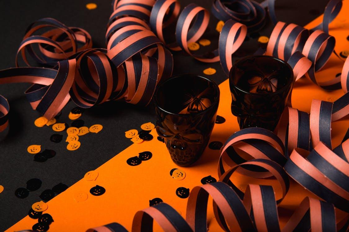 Makijaż i zabawy na Halloween dla dzieci